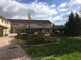 Hotel Dvůr, Krnsko (Bezno yakınında)