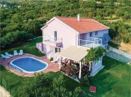Three-Bedroom Holiday Home in Mlini, Млини (рядом с городом Petrača)