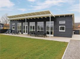 Four-Bedroom Holiday home Haderslev with a room Hot Tub 02, Knud