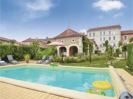 Four-Bedroom Holiday Home in St Vincent de Connezac, Saint-Vincent-de-Connezac (рядом с городом Siorac-de-Ribérac)