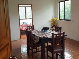 Hidden Valley Home, Guácima (San Rafael yakınında)