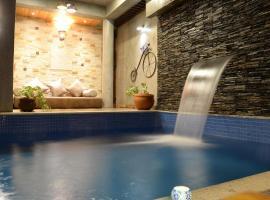 Pura Vida - Pool home Villa, Бангалор (рядом с городом Dod Ballāpur)