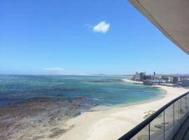 Oceanview 1002, Strand