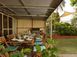 Midgard Cottage - Great location & close to airport, Perth (Cloverdale yakınında)