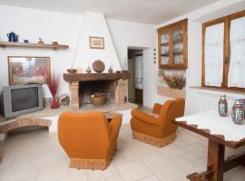 Tognazzi Casa Vacanze - Casa Ailantus, Fattoria Falsini (Near Radicondoli)