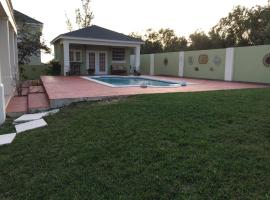 Green Oaks Villa, Nassau (Coral Harbour yakınında)