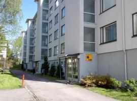 A spacious three-bedroom apament for six persons in Martinlaakso, Vantaa. (ID 7989), Martinlaakso (рядом с городом Kivistö)