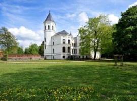 Schlosshotel Bredenfelde, Bredenfelde (Marihn yakınında)