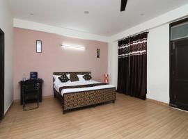 OYO 11495 Mehta Guest House, Нойда (рядом с городом Badarpur)