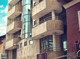 hotel reina isabella