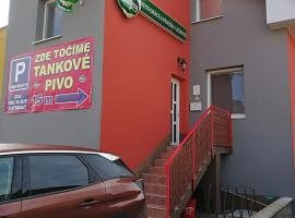 Restaurace a penzión u Jessyho, Perná (U blizini grada 'Klentnice')