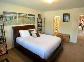 Outer Sunset Private Master Suite [J]