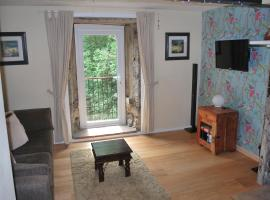 Millpond Cottage, Holmfirth