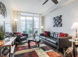 Gorgeous Downtown Oasis with Lake Views & Parking!
