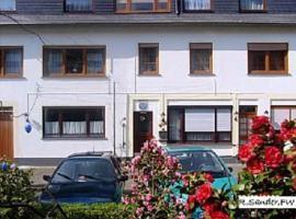 Moselferienwohnungen Sander, Niederfell (Lehmen yakınında)