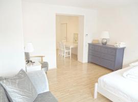 F10 Apartment