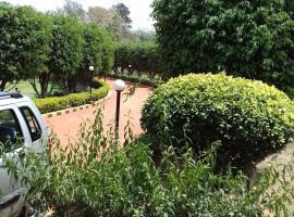 ENTIRE FARM HOUSE / VILLA ., Bhundsi