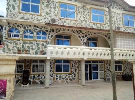 Aduana Cultural Palace Hotel, Adaiso