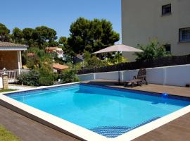 Bungalow with heated private pool