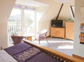 Ammonite Bed & Breakfast, Corfe Castle