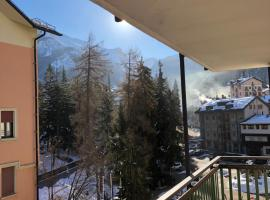 A bright flat at Limone P.