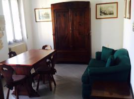 Bilocale in centro con vista ed eleganza, Salice Terme (Rocca Susella yakınında)