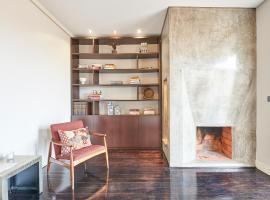 Elegant Apartment with Bridge View