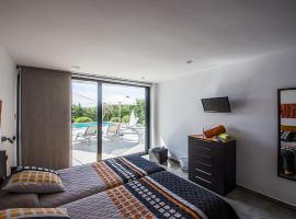 Villa Es Cap Den Ribes, Santa Eularia des Riu (Cala Boix yakınında)