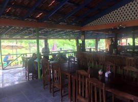 Laberinto Lodge, San José (Boca Arenal yakınında)