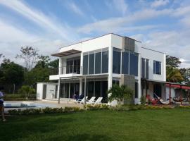 Villa Valeria, Cumaral (Cuarteles yakınında)