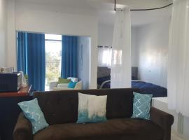 DB Tower Vacation Rental, Belize City (Burrell Boom yakınında)
