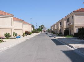 Alexandria Court, Vrysoules (Akhyritou yakınında)