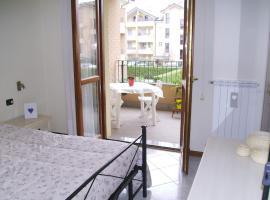 Arcore Cosy & Cheap Apartment, Arcore (Usmate Velate yakınında)