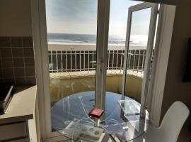 Camona Beachfront Apartment