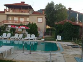 Villa Platythea, Platy