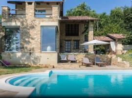 Villa Gaia, Bra (Sanfrè yakınında)