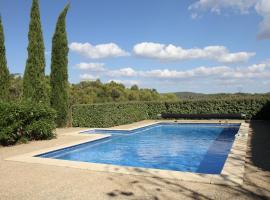 Villa avec piscine et immense terrain, Aigne (рядом с городом Aigues-Vives)