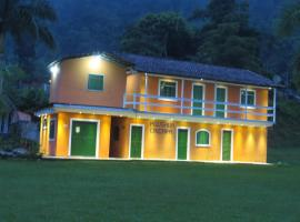 Pousada Caiçara, Paraty (Ilha do Cedro yakınında)