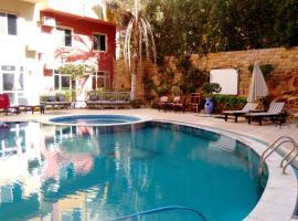 Diamond Arabia pool & center