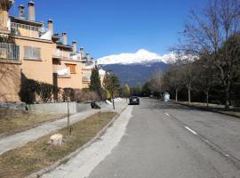 Urbanización altos de Santiago, Villanúa (Castiello de Jaca yakınında)