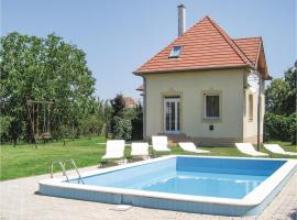 Three-Bedroom Holiday Home in Fertod, Fertőd (рядом с городом Agyagosszergény)