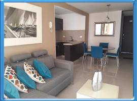 NICE APARTMENT NEXT TO CHIPICHAPE SHOPPING CENTER (515), Cali