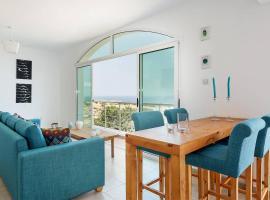 Joya Cyprus Azure Oceanview Penthouse Apartment, Ayios Amvrosios (Ayios Nikolaos yakınında)