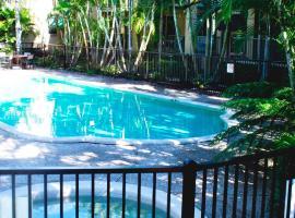 Bila Vista Holiday Apartments, Gold Coast (Bilinga yakınında)