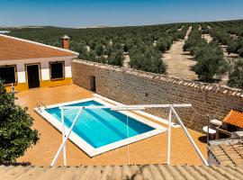 Villa en plena campiña andaluza - Piscina y chimenea, Porcuna