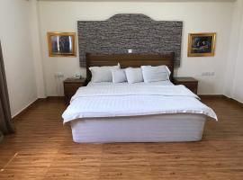 Ampoma Hotel, Аккра (рядом с городом Otinshi)