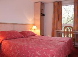 Hotel Le Village, Gif-sur-Yvette