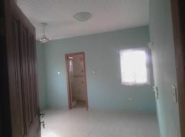 8 bedrooms 1 story House for Rent Accra-Ghana, Sakumona