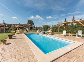 Holiday home Manziana 88 with Outdoor Swimmingpool, Canale Monterano (Sambuco yakınında)