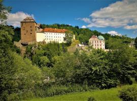 Rodinný pension Bečov, Bečov nad Teplou (Blizu: Poutnov)